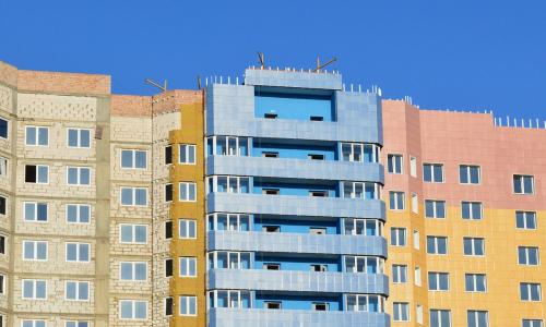 Эксперт предрек снижение цен на жилье в некоторых регионах России