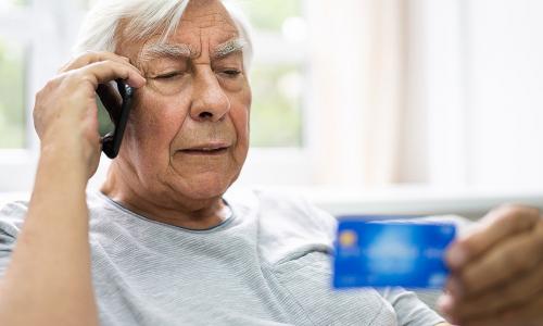 Все знают схемы, но попадаются: Как мошенники обманывают пенсионеров