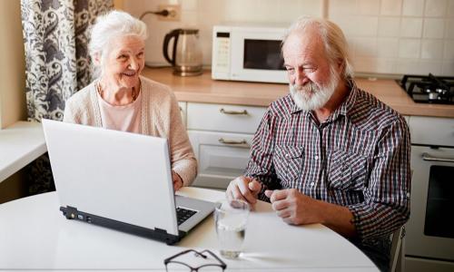 С 1 августа у работающих пенсионеров вырастут пенсии