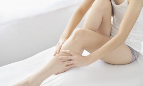 Почему по ночам сводит ноги судорогой?